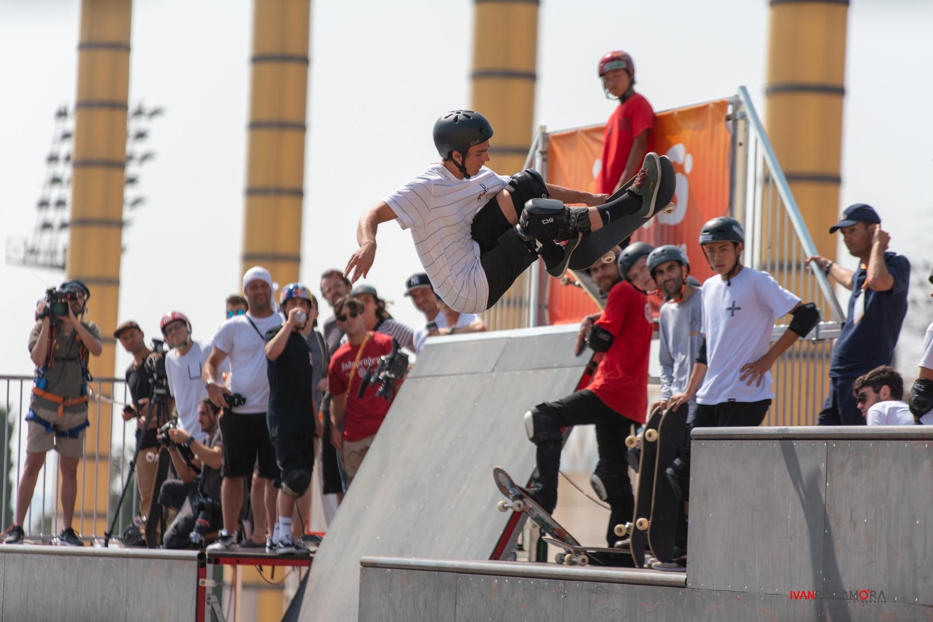 skateboard half
